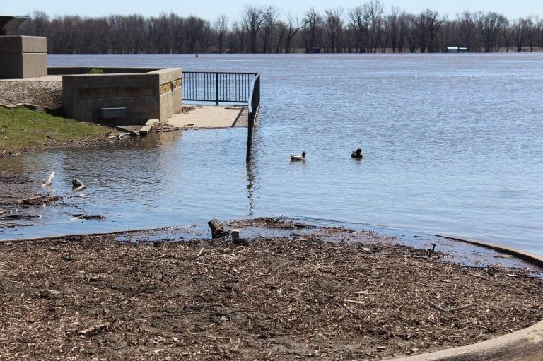 Rising river prompts closures of Riverside Park, River Road